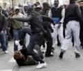 Israeli in Paris von zwei afrikanischen Migranten geschlagen und schwer verletzt